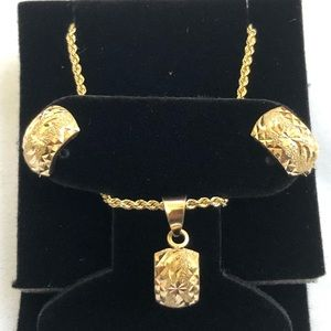 Jewelry - 18k brand new solid Saudi gold set